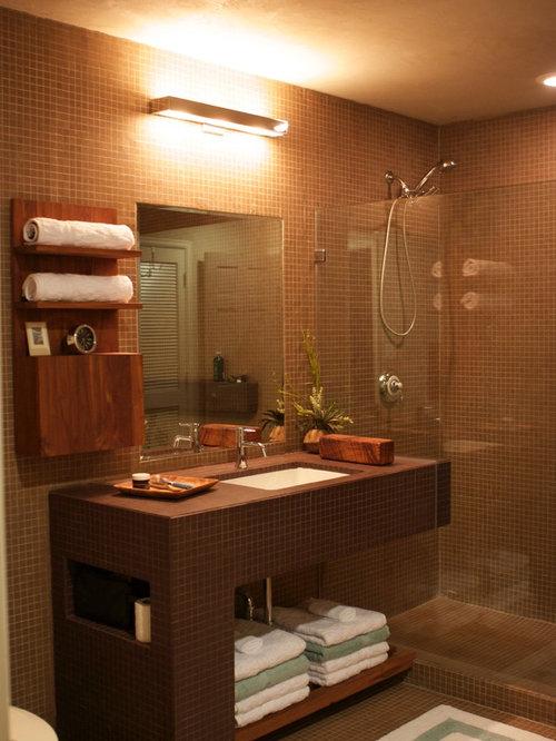 Salle d\'eau moderne avec un plan de toilette en carrelage : Photos ...