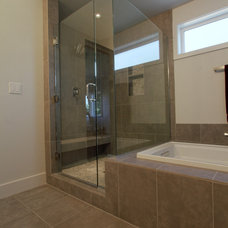 Modern Bathroom by Jordan Iverson Signature Homes