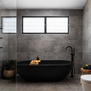 Inspiration for a contemporary bathroom in Wollongong.