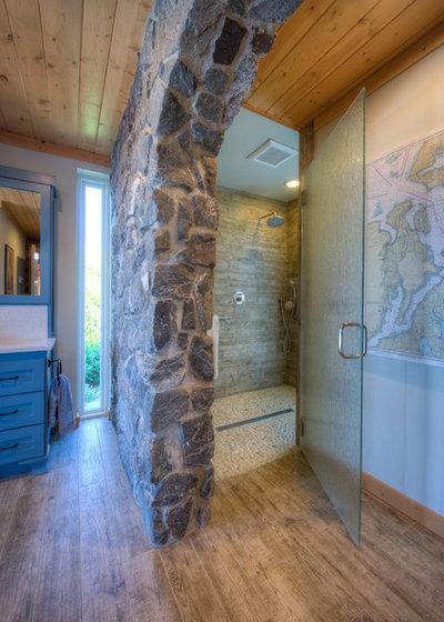 Rustic Bathroom by Dan Nelson, Designs Northwest Architects