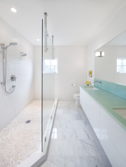 Long narrow bathroom houzz for Long bathroom designs
