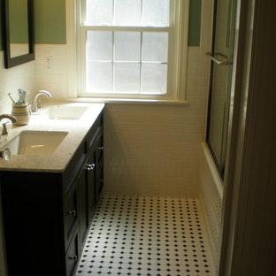 Idee per una piccola stanza da bagno con doccia classica con ante in stile shaker, ante nere, doccia alcova, piastrelle bianche, piastrelle diamantate, pareti verdi, pavimento in linoleum, lavabo sottopiano e top in superficie solida