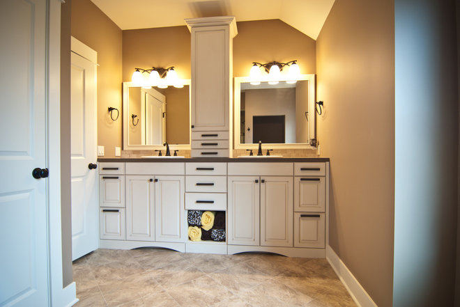 Traditional Bathroom by Woodways