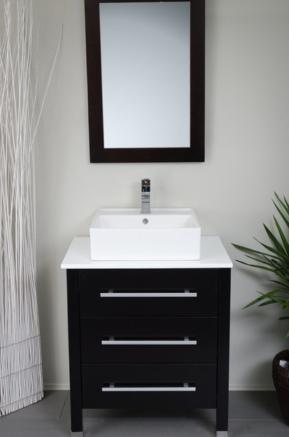 Contemporary Bathroom by modernbathrooms.ca