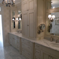 traditional bathroom by Floridian Design Custom Cabinetry
