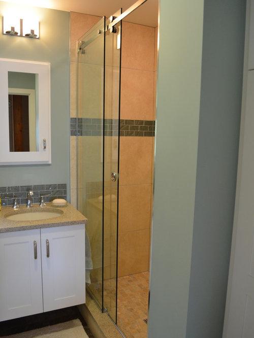 badezimmer mit quarzwerkstein waschtisch und linoleum. Black Bedroom Furniture Sets. Home Design Ideas