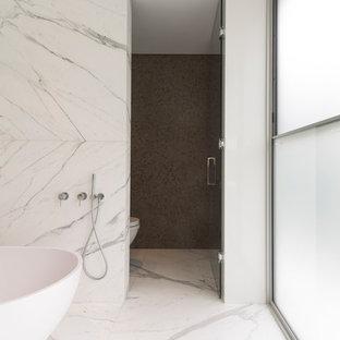 Example of a minimalist bathroom design in Sydney