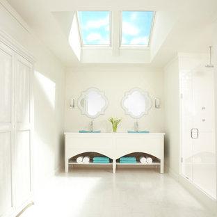 Example of a minimalist bathroom design in Charlotte