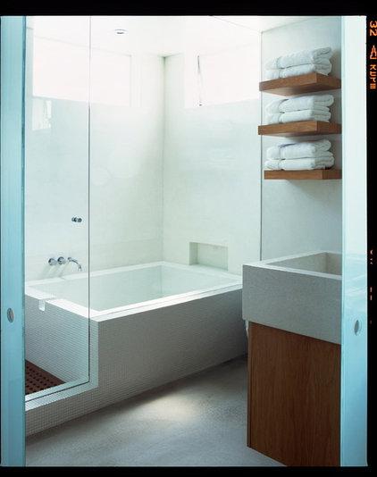 Contemporary Bathroom by Digs By Katie | Katie Leede & Company