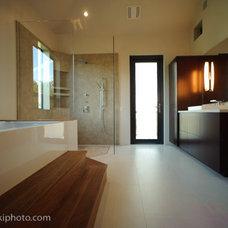 Modern Bathroom Venico Res. LEED Home+Malibu Res Also LEED