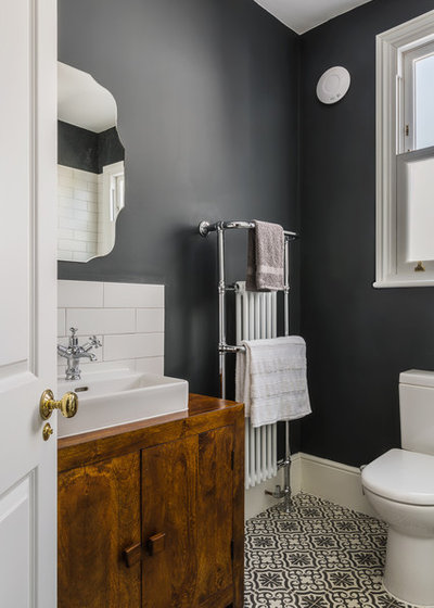 Traditional Bathroom by Marienne Pachonick Architects