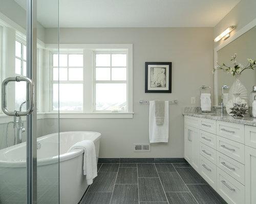 landhausstil badezimmer mit freistehender badewanne ideen beispiele f r die badgestaltung houzz. Black Bedroom Furniture Sets. Home Design Ideas