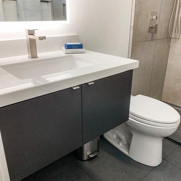 Via De Los Reyes Hall Bathroom