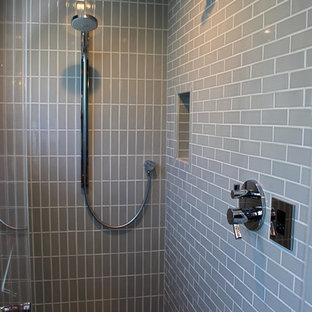 Vibrant Bath and Living