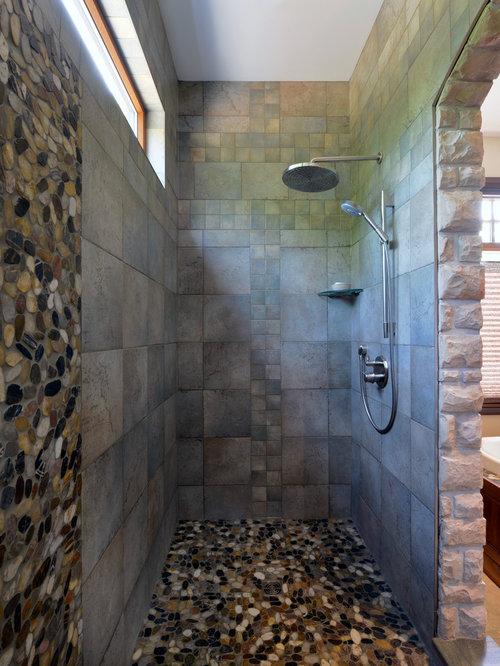 salle de bain avec un sol en galet et une plaque de galets photos et id es d co de salles de bain. Black Bedroom Furniture Sets. Home Design Ideas