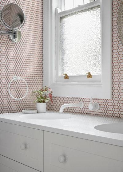 Midcentury Bathroom by smarterBATHROOMS+