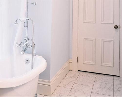 Salle de bain victorienne avec un lavabo int gr photos for Baignoire lavabo integre