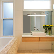 Contemporary Bathroom by Danny Broe Architect