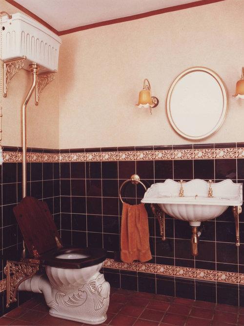 Old fashioned bathroom houzz for Bathroom designs old fashioned