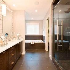 Modern Bathroom by Sabal Homes