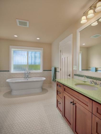 Traditional Bathroom by RW Anderson Homes