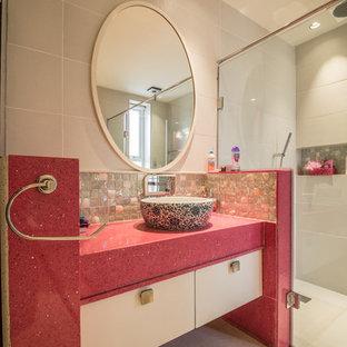 Foto di una stanza da bagno tradizionale con top rosa