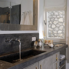 Mediterranean Bathroom by Fabrizia Frezza Architecture & Interiors