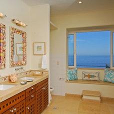 Tropical Bathroom by JEM4 design