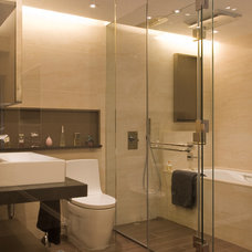 Contemporary Bathroom by Chinc's Workshop