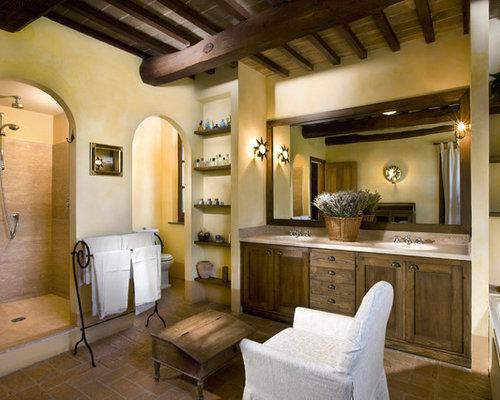 Mediterrane badezimmer mit integriertem waschbecken ideen design bilder houzz - Mediterranes badezimmer ...