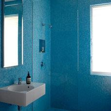 Eclectic Bathroom by Scott Weston Architecture Design PL