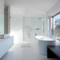 Contemporary Bathroom by LeichtUSA