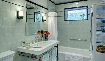 Vintage apothecary bathroom