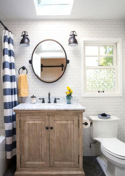 Coastal Bathroom by Coast View Construction Inc.
