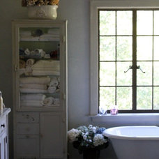 Rustic Bathroom by tumbleweed and dandelion.com