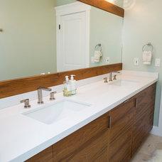 Modern Bathroom by Elena Calabrese Design & Decor