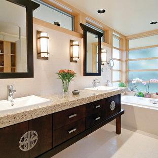 Diseño de cuarto de baño de estilo zen con lavabo encastrado