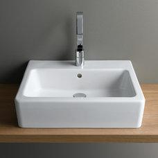 Bathroom by UK Bathrooms