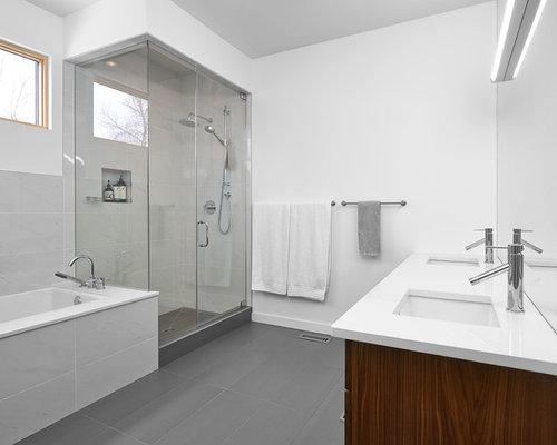 Moderne badezimmer mit laminat ideen design bilder houzz - Laminat badezimmer ...