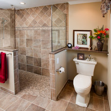Traditional Bathroom by Harth Builders