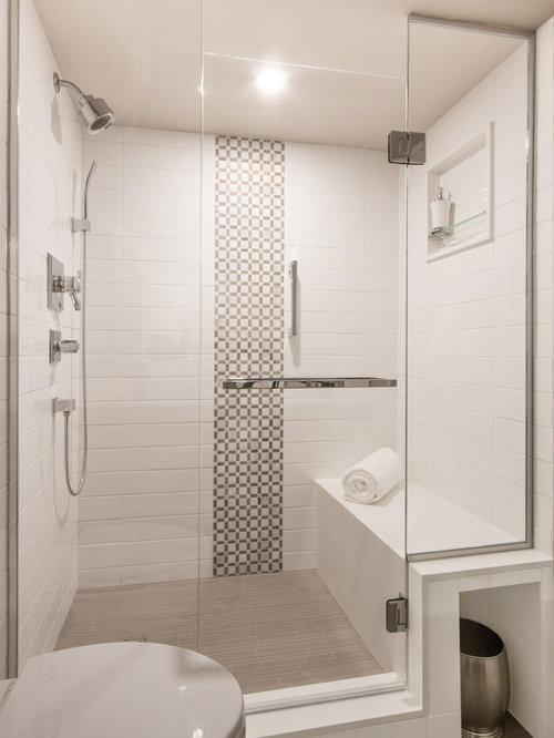 Salle de bain moderne avec un wc suspendu photos et for Placard wc suspendu