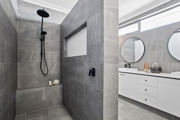 Esempi di bagni con piastrelle grigie