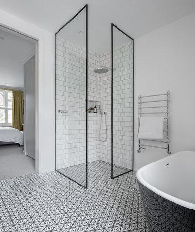 Scandinavian Bathroom by EMR Architecture