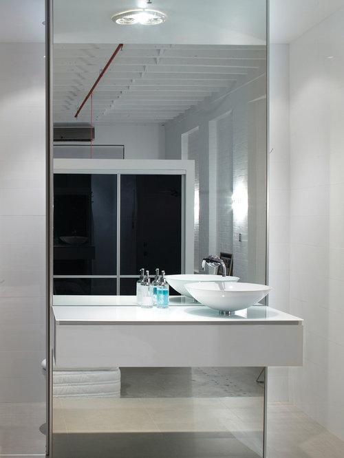 industrial badezimmer mit glaswaschtisch design ideen beispiele f r die badgestaltung houzz. Black Bedroom Furniture Sets. Home Design Ideas