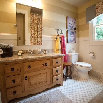 Warren Kid's Bathroom
