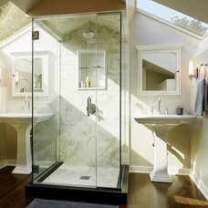 Traditional Bathroom by ROM architecture studio