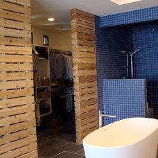 Modern Bathroom by kevin akey - azd architects - michigan