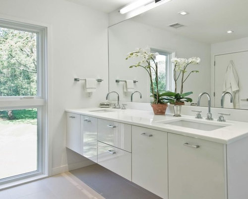 Simple White Bathrooms simple white bathroom | houzz