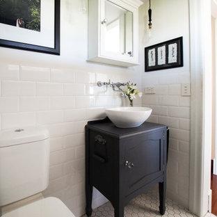 Badezimmer mit Mosaik-Bodenfliesen in Brisbane Ideen, Design ...