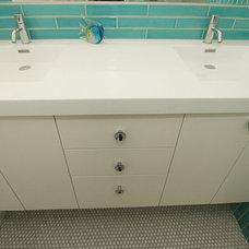 Modern Bathroom by Design Vidal